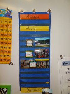 visual agenda UDL classroom